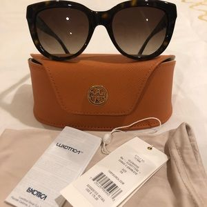 Brand new Tory Burch women's sunglasses.